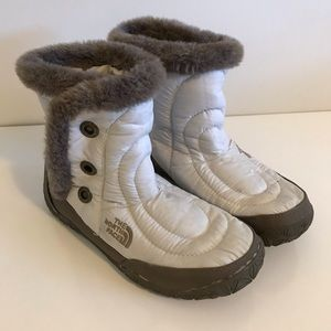 North Face | white fur winter booties